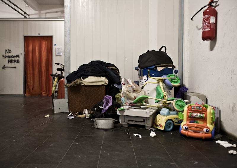 Cianfrusaglie e oggetti trovati in giro vengono venduti per racimolare