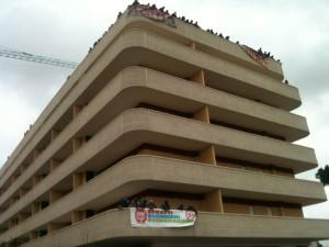"""Lo """"tsunami tour"""" dei movimenti Occupata una decina di palazzi"""