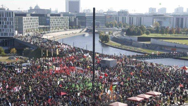 demonstranten-am-samstagmittag